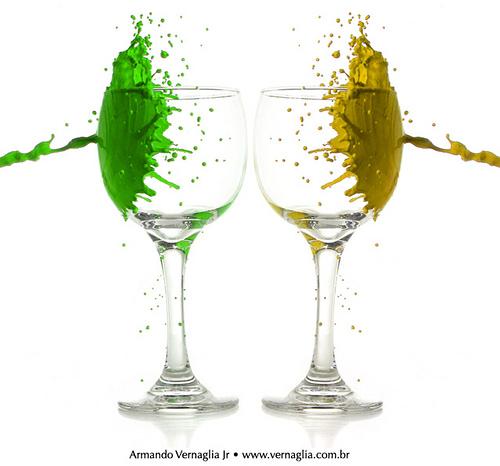 http://www.fotografia-dg.com/imagens-wp/2010/03/Splash-Verde-e-Amarelo.jpg