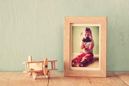 Fotografia na estante via shutterstock.com
