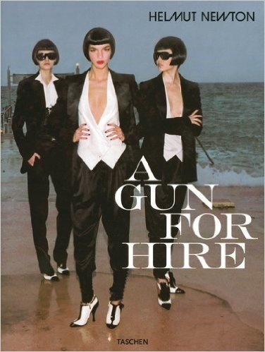 01-A-gun-for-hire-by-Helmut-Newton