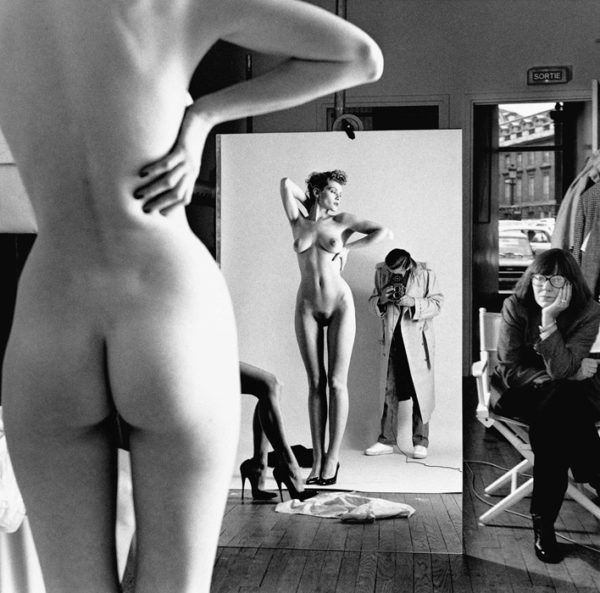 02-Self-portrait-with-wife-and-models-by-Helmut-Newton-600x593