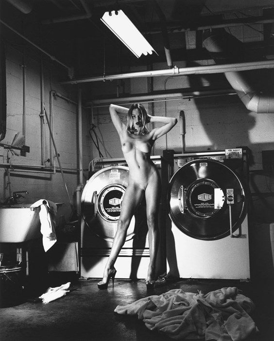 14-Domestic-Nude-V-by-Helmut-Newton