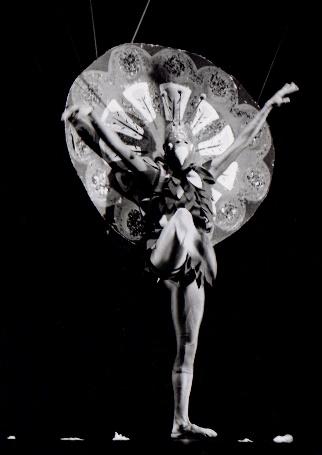 Única foto em que os pés do bailarino estão visíveis